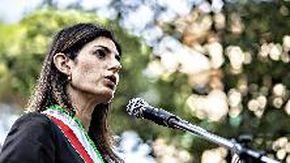 Roma, i cittadini si dividono sulla ricandidatura a sindaco di Virginia Raggi