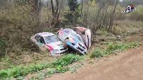 Russia, la curva maledetta del rally: le auto si ammassano una dopo l'altra