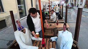 Conte, Merkel e Appendino al tavolo del birrificio di Torino