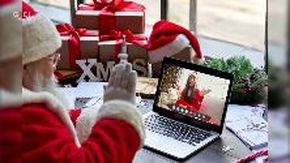 Gran Bretagna, Babbo Natale si modernizza e risponde ai bambini in videochiamata