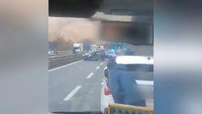 Follia sulll'autostrada A1, la corsa contromano di un automobilista finisce con gli spari della polizia