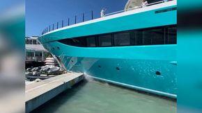 Caraibi, il superyacht di 77 metri sbaglia la manovra e distrugge il pontile