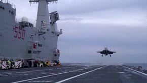 """Il primo incontro tra un F35 a decollo verticale e la portaerei Cavour. Riuscito l'""""appontaggio"""""""