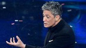 """Sanremo 2021, Fiorello interviene in conferenza stampa irritato: """"Ho letto la parola flop? Ma che hanno visto? Correggete!"""""""