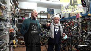 """Eroi di quartiere, Laura Gaggi e Mario Boccaccioli del negozio La Bici: """"Siamo commercianti, non eroi"""""""