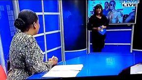Due giornaliste litigano in tv senza sapere di essere in diretta: lo scoprono e la reazione è imbarazzante