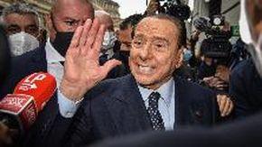"""Berlusconi: """"Draghi al Colle sarebbe ottimo, ma come premier più vantaggi al paese"""""""