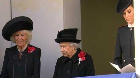Reali Gb, prova da regina per Camilla: sul balcone con Elisabetta II e Kate. Meghan 'in punizione'