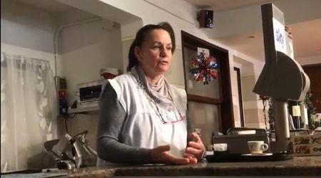 """Omicidio Cavarzere. Il racconto della ristoratrice: """"Era per terra immobile, ho chiamato il 118"""""""