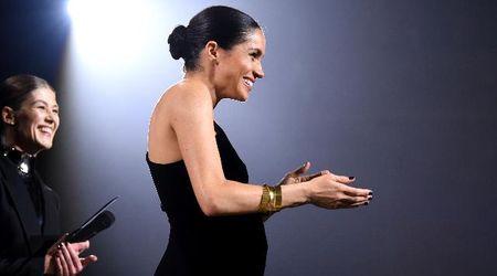 """British Fashion Awards, Meghan con pancione a sorpresa sul palco: """"L'Inghilterra è la mia nuova casa"""""""