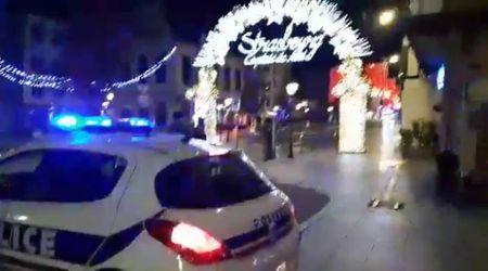 Spari a Strasburgo, l'arrivo della polizia e dei soccorsi al mercatino di Natale