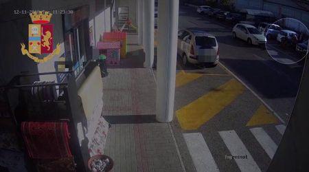 Benevento, foravano auto al parcheggio per derubare clienti: presa banda del centro commerciale