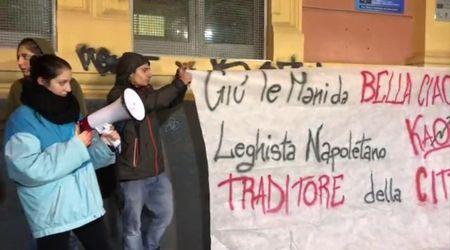 """Scuola De Amicis, flash mob degli studenti: """"Giù le mani da 'Bella ciao'"""""""