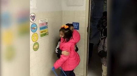 Texas, abbracci e baci tra i piccoli alunni: così la maestra rivoluziona l'uscita dalla classe