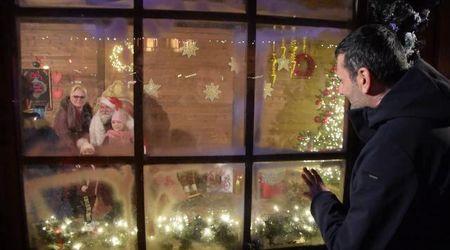 Bari, bambini in coda per consegnare la letterina a Babbo Natale