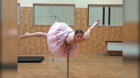 Veronika non balla da sola: il tutù si trasforma e svela una sorpresa