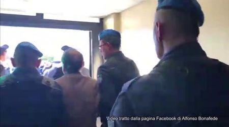 """Esposto contro Bonafede per video Battisti, Placanica: """"Mostrato come bestia allo zoo"""""""