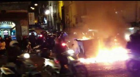 Fuochi di Sant'Antonio Napoli: caroselli di ragazzini in scooter