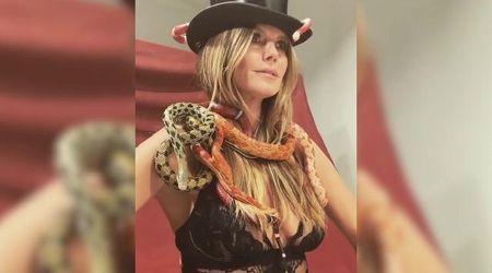 Heidi Klum ''regina'' dei serpenti: il servizio fotografico in lingerie è sorprendente