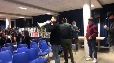 Roma, Blocco Studentesco contro l'Anpi: blitz interrompe una lezione sulle Foibe