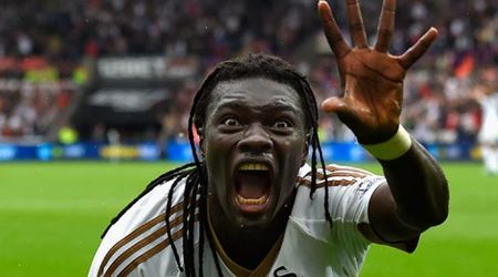 L'esultanza spaventa il raccattapalle: il calciatore a fine partita 'rimedia' così