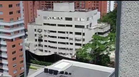 Colombia, demolito il fortino di Escobar: nascerà un parco dedicato alle sue vittime