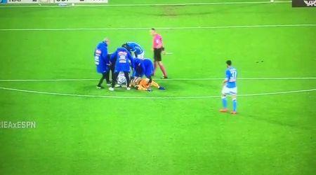 Serie A, Napoli-Udinese: il portiere Ospina si accascia in campo, i soccorsi