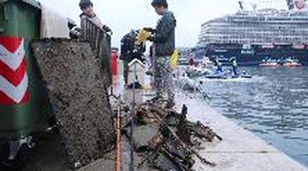 Trieste, grandi pulizie in acqua a Mare Nord Est