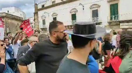 Salvini in Puglia, a Ostuni la contestazione copre il comizio