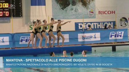 Lo spettacolo del nuoto sincronizzato alla Dugoni di Mantova