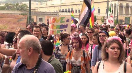 """Liguria Pride 2019, oltre 15mila in piazza: """"Vogliamo libertà e bellezza"""" - il videoracconto"""