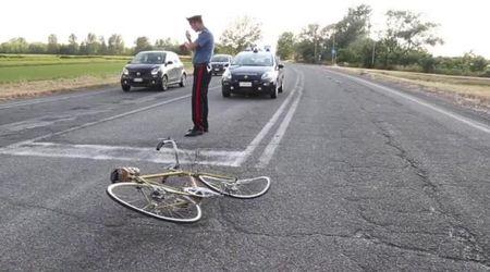 Tromello, ciclista investito in tangenziale