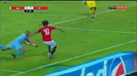 Egitto, grande giocata di Salah sulla fascia: con una finta disorienta il portiere