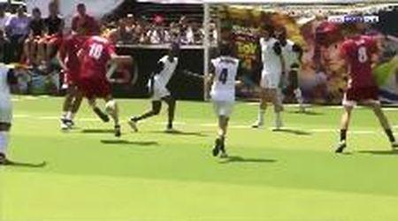 Zidane, giocata da urlo contro una squadra femminile: a 47 anni l'ex Juve si diverte ancora