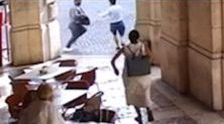 Rapina e sparatoria a Udine, le immagini esclusive della fuga dei ladri