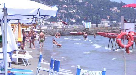 Liguria, viaggio sui litorali dove Jovanotti ha cancellato il concerto: ecco come il mare erode le spiagge