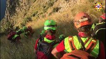 Il burrone in cui è caduto Simon, nel video delle ricerche del Soccorso Alpino