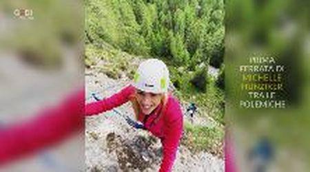 """Prima arrampicata per Michelle Hunziker, ma sui social l'attaccano: """"Dovresti essere multata"""""""