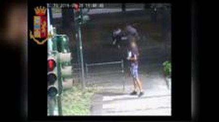 Torino, scippo in diretta sui monitor della questura: arrestati due borseggiatori