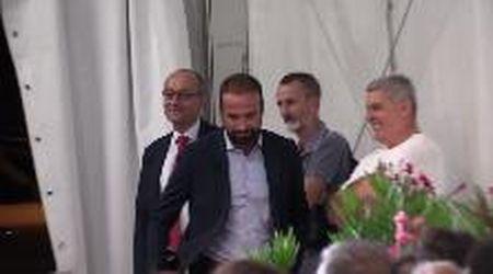 La strana serata di Marattin (Pd), alla festa della Lega mentre il M5s apre al suo partito