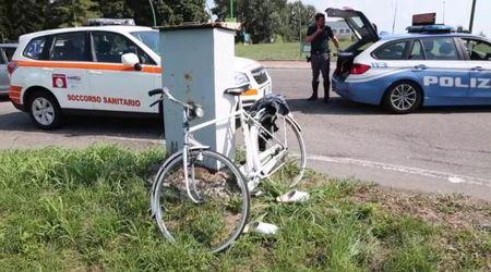 Mortara, ciclista investito alla rotonda: gravissimo
