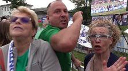 Pontida, pugno contro telecamera e insulti: militante leghista aggredisce giornalista di Repubblica