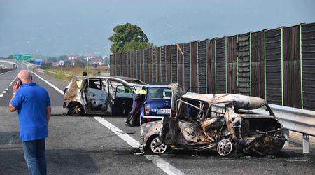Auto in fiamme su autostrada Torino - Pinerolo: muoiono papà e figlioletta
