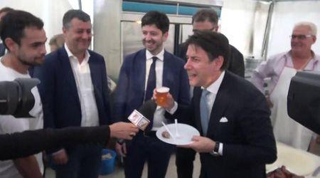 Festa Articolo1-Mdp: Conte cede a birra, salsiccia e selfie con i volontari