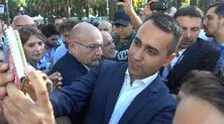 Italia 5 stelle a Napoli, bagno di folla per Di Maio
