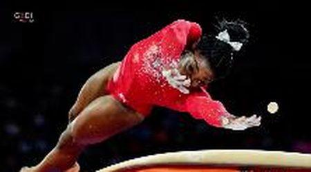 """Simone Biles senza limiti: ecco il volteggio che """"vale"""" 23 medaglie mondiali"""