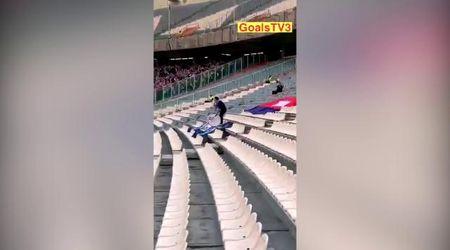 Il tifoso più leale al mondo, da solo in trasferta: 6mila km per veder perdere la sua nazionale 14-0