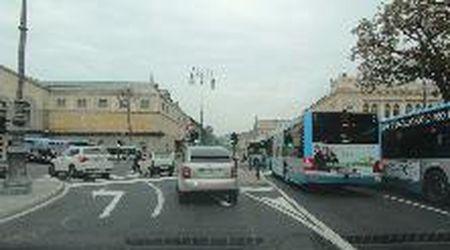 Piazza Libertà a Trieste, scatta la rivoluzione della viabilità e il traffico va in tilt