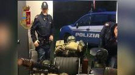 Blitz della polizia nell'arsenale degli estremisti di destra