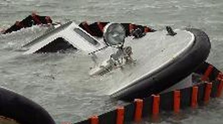 Acqua alta a Venezia: barche affondate